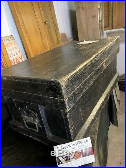 LARGE OLD ANTIQUE RUSTIC BLACK TRUNK / CHEST / STORAGE BOX (Coffee Table)