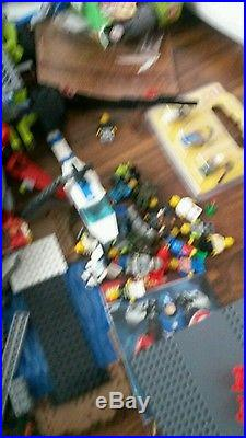 Large 80 litre box of lego